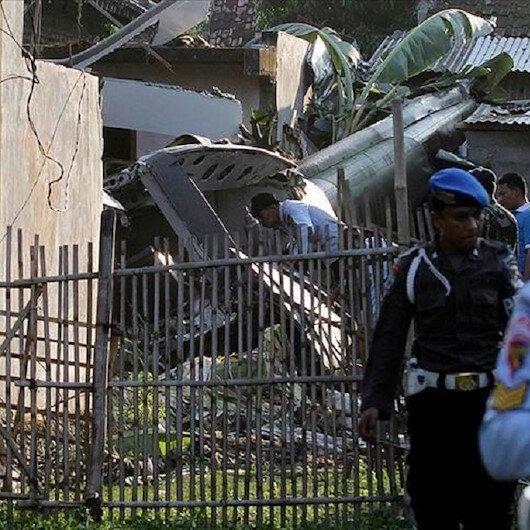 إندونيسيا.. مصرع 4 أشخاص وإصابة 5 جراء تحطم مروحية