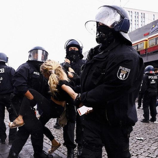 برلين.. مواجهات بين الشرطة ومتظاهرين منددين بمقتل فلويد