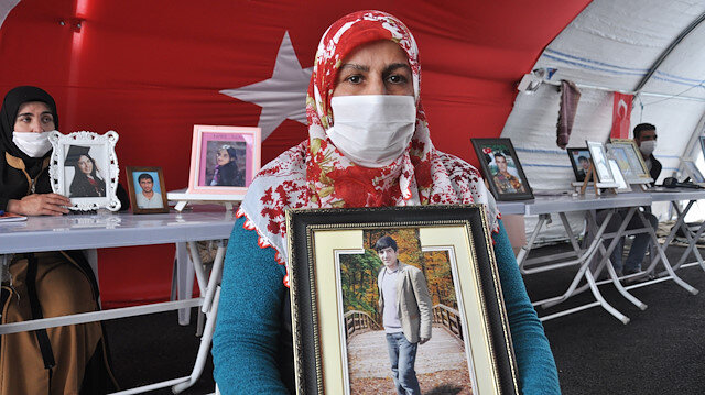 Mothers' sit-in against PKK continues in SE Turkey