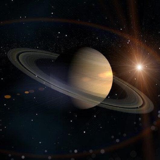 تيتان يبتعد عن زحل أسرع بـ 100 مرة مما كان يُعتقد سابقا
