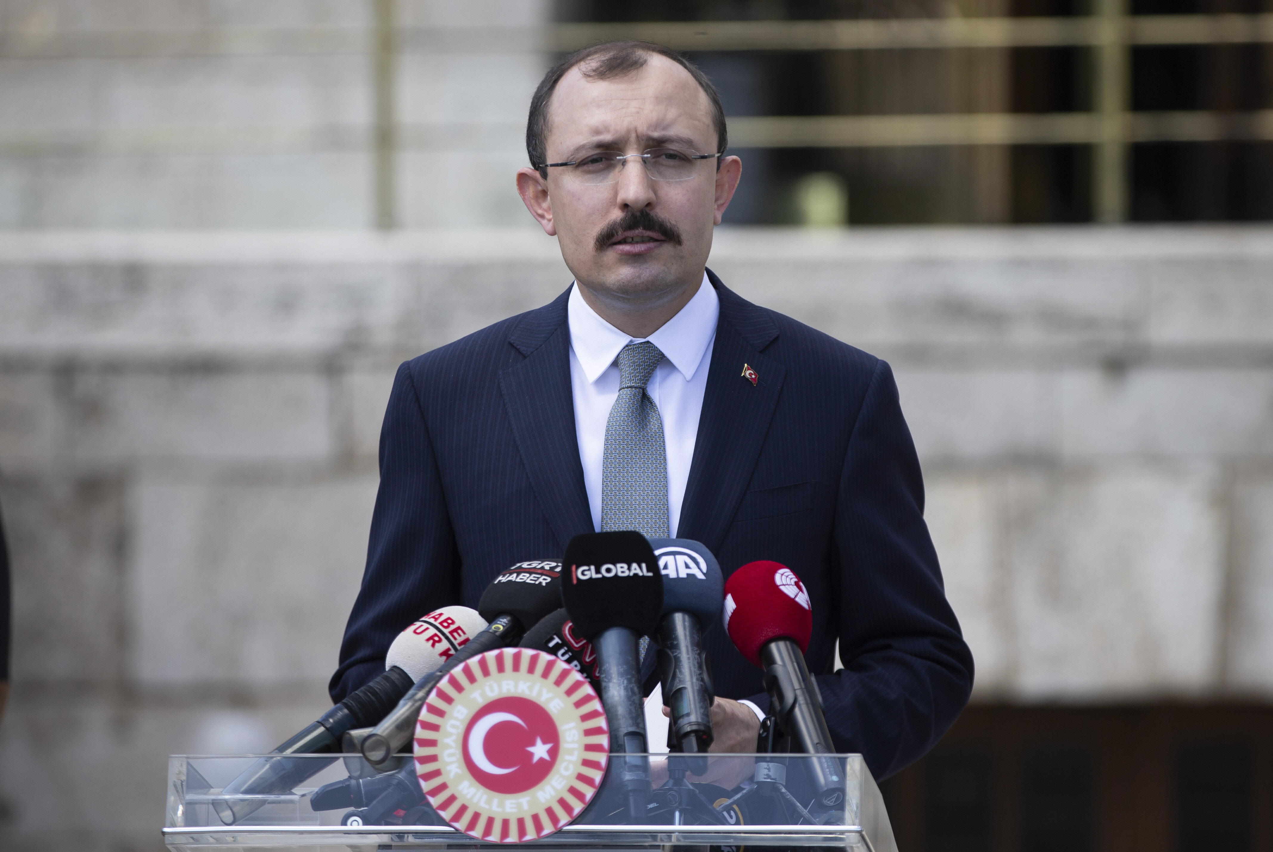 AK Parti Grup Başkanvekili Mehmet Muş (arşiv).