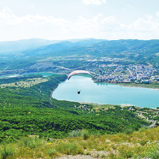 Tunceli'de gökyüzü paraşütle şenleniyor: Eğitimden sonra uçuş başlayacak