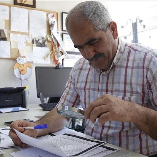من عامل لأستاذ جامعي.. حب العلم لم يخمد لدى مسنّ تركي