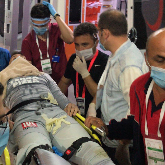 Galatasaray goalkeeper Muslera suffers broken leg