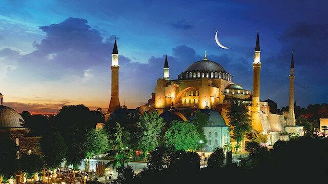 تأييد كبير وواضح من الشعب التركي بشأن إعادة فتح مسجد آيا صوفيا