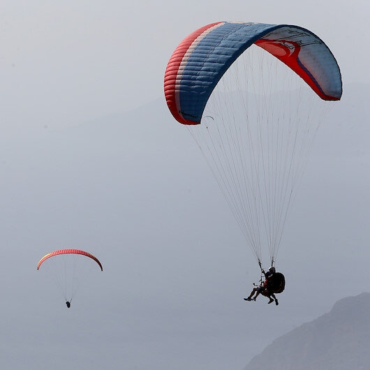 Denizli'de bir astsubay yamaç paraşütü kazasında hayatını kaybetti