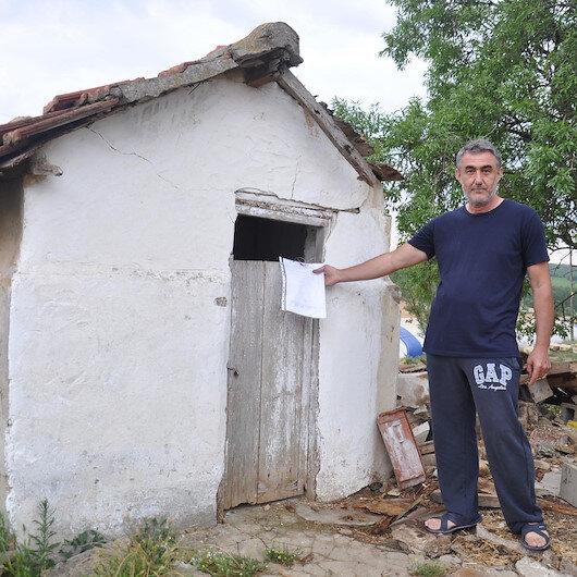 Malkara'da belediye, köy evininin 60 yıllık tuvaletini mühürledi