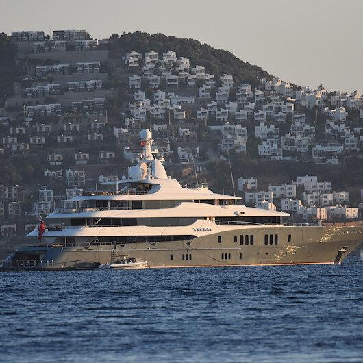 """يخت """"تيتان"""" الفاخر يرسو على سواحل موغلا التركية"""
