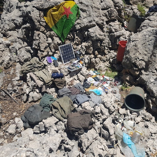 Alışverişe çıkan terörist yakalandı: Farklı noktalardaki sığınakta yaşam malzemeleri ele geçirildi