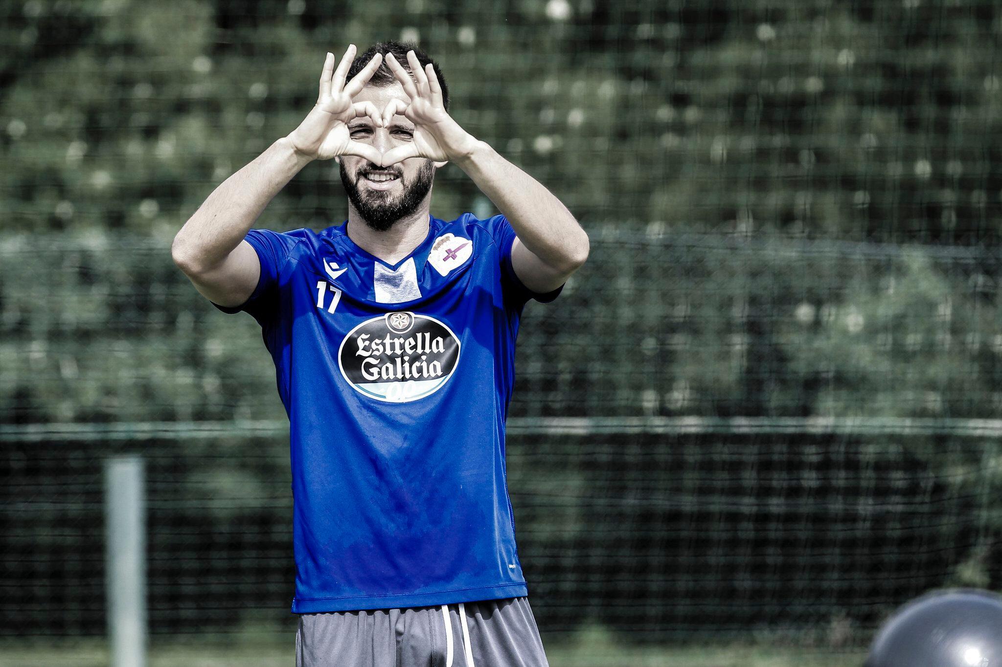 Emre Çolak'ın adı Süper Lig ekiplerinden Göztepe ile anılıyor.