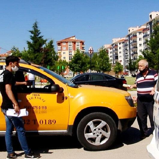 Isparta'da sınava alınmadı: Ücretini isteyen taksiciyle tartıştı