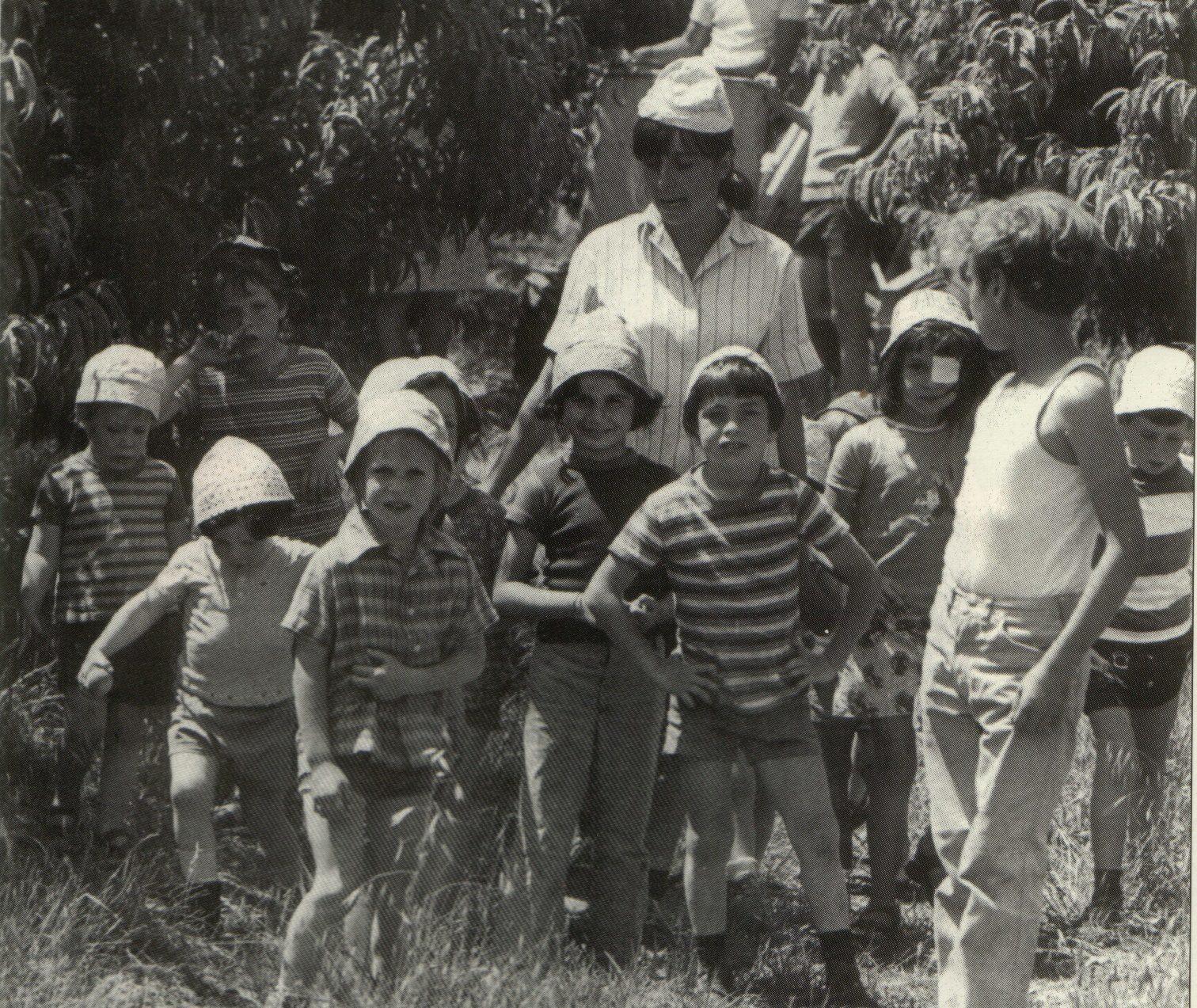 Sosyalizm ve siyonizmi pratik bir şekilde bir araya getiren kibbutizm sadece İsrail'de uygulanmıştır.