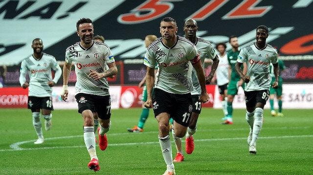 Bu sezon Süper Lig'de 13 kez fileleri havalandıran Burak Yılmaz, Beşiktaş'taki en golcü sezonunu geçiriyor.