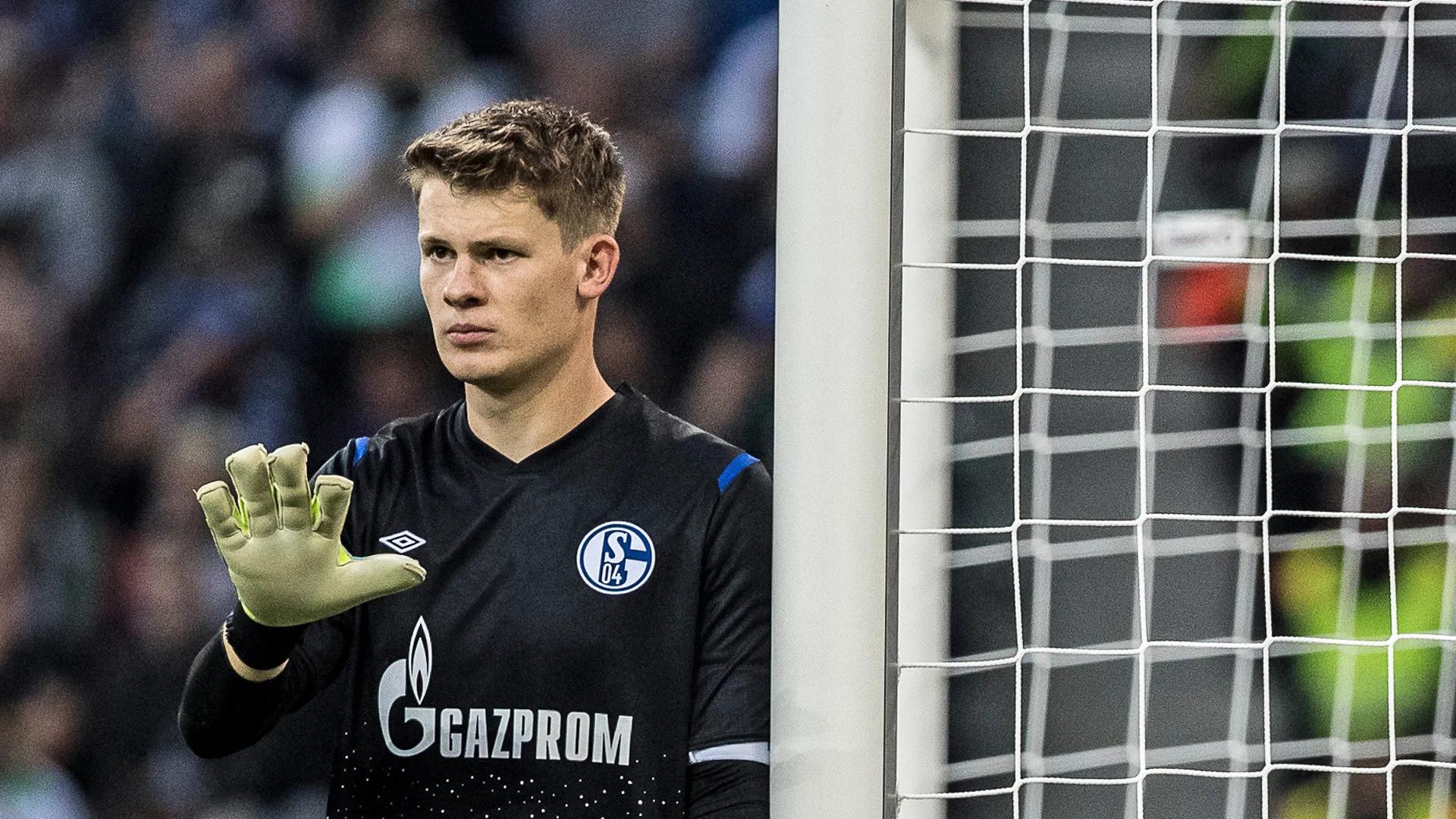 2015'ten beri Schalke 04'te forma giyen Nübel Bundesliga'da 46 maçta forma giydi.