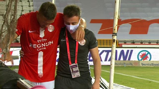 Antalyaspor-Başakşehir maçında sosyal medyayı sallayan an: Gole giderken sakatlandı