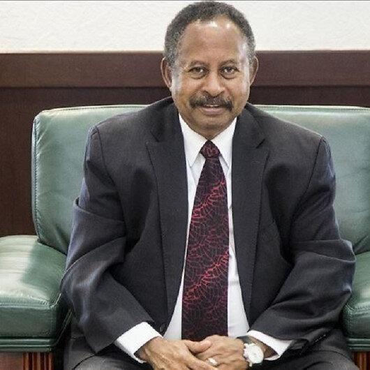 السودان.. حمدوك يوجه الولاة العسكريين بالاستمرار في أعمالهم