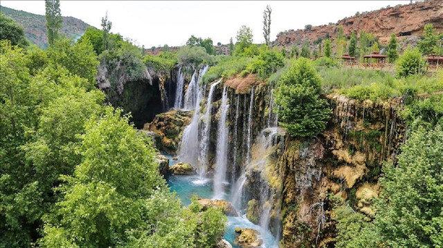 """شلالات """"ير كوبرو"""" التركية.. جنة في أحضان الطبيعة"""