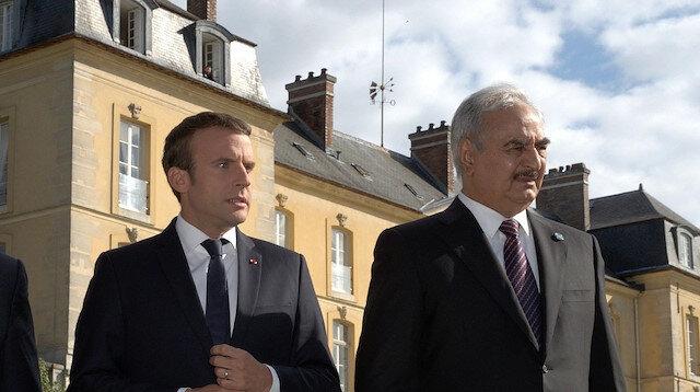 فاينانشال تايمز: حفتر بات عبئا على فرنسا