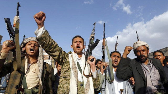 الحوثيون يهددون باستهداف قصور المسؤولين السعوديين