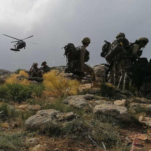 Hakkari'de hava destekli operasyonda 2 terörist öldürüldü