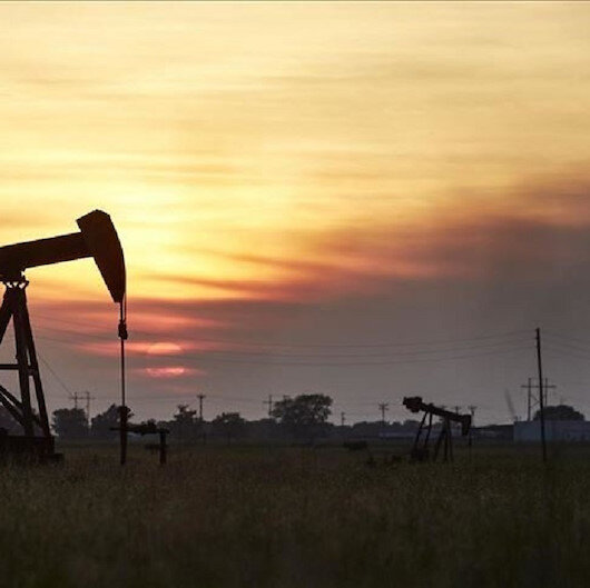 أسعار النفط تتراجع وسط تخوف من فقدان السيطرة على كورونا