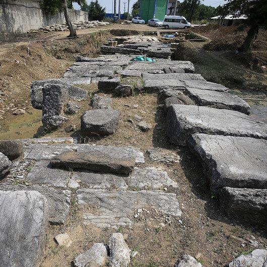 Düzce'deki tarihi Roma köprüsü gün yüzüne çıkarılıyor: Kayaların yontulmasıyla oluşturulmuştu