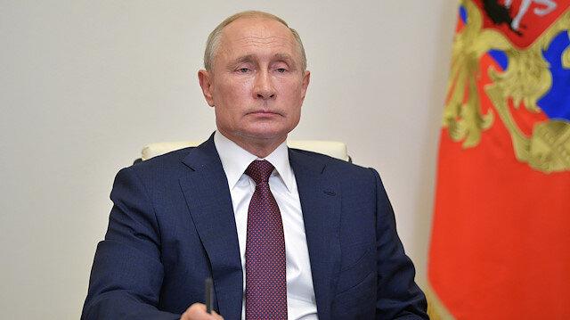 FILE PHOTO: FILE PHOTO: Russia's President Vladimir Putin