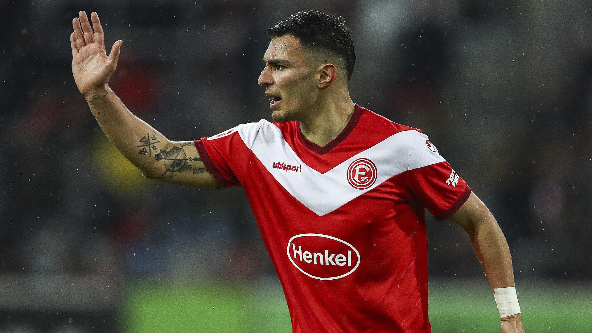 Kaan Ayhan bu sezon Bundesliga'da çıktığı 31 maçta 2 gol atarken, 3 de asist kaydetti.
