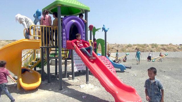 جمعية تركية تنشئ حديقة ألعاب للأطفال في إدلب السورية