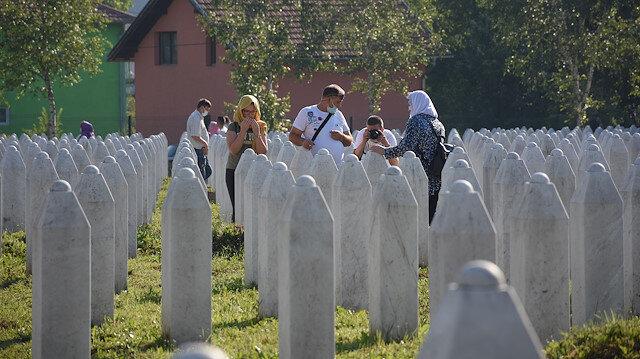 """البوسنة.. دفن رفات 9 من ضحايا مجزرة """"سربرنيتسا"""""""