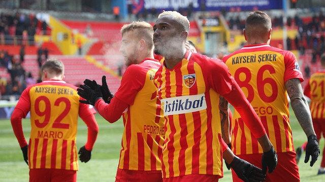 Mensah Beşiktaş'a transfer ateşini yaktı