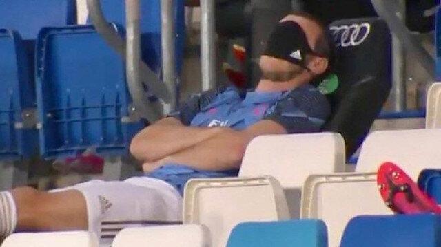 Real Madrid'in yıldızı Bale'den olay tepki: Maçta gözlerini maskeyle kapattı