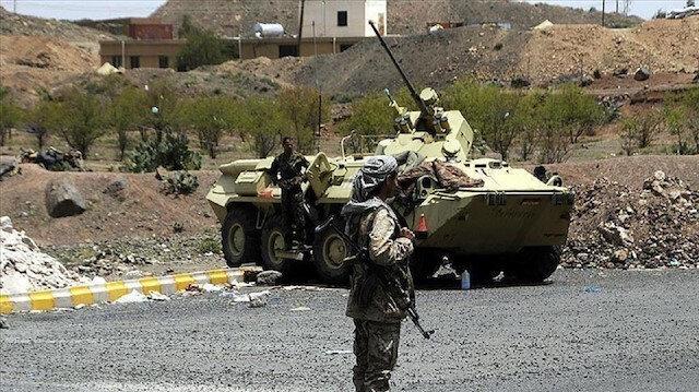 الحوثيون يتهمون التحالف بقتل 6 نساء و4 أطفال بغارة في حجة