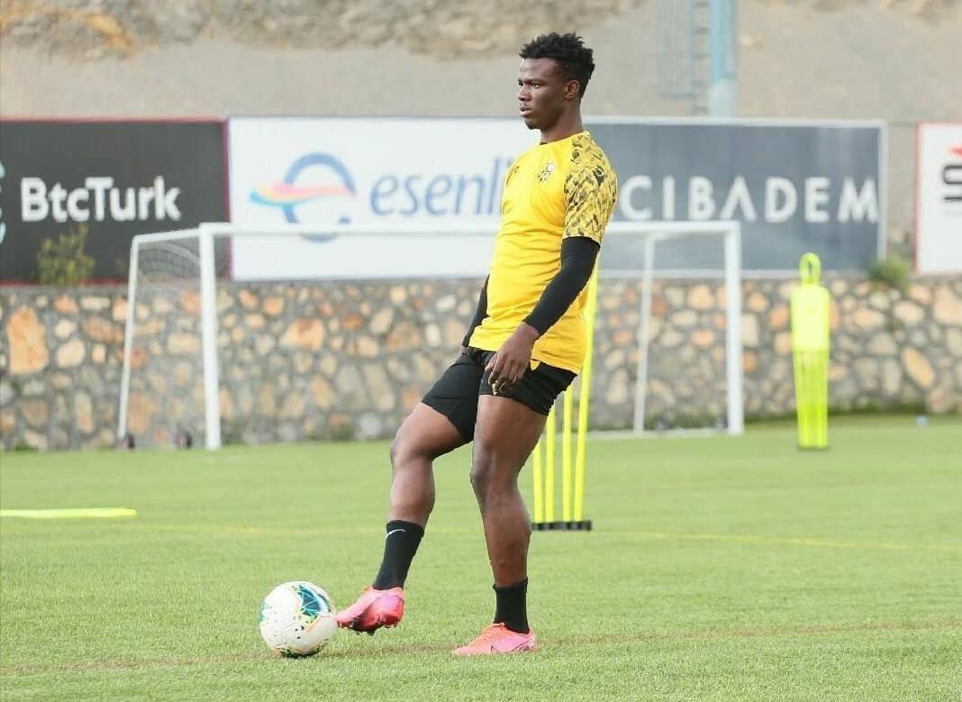 Youssouf Ndayishimiye, Süper Lig'de oynayan ve en az kazanan yabancı futbolcu konumunda.