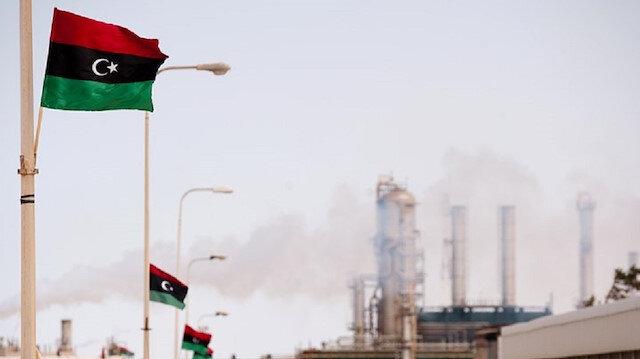 ماذا وراء إعادة إغلاق حفتر لموانيء النفط؟