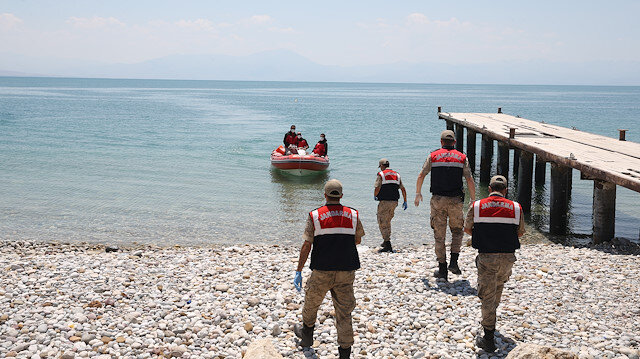Three more migrant bodies recovered from lake in eastern Turkey