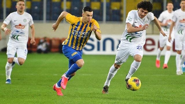 Fenerbahçe ile Galatasaray'ı karşı karşıya getiren futbolcu: Konrad Michalak