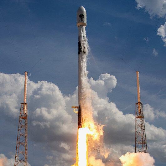SpaceX ilk iş birliğini Güney Kore ile yaptı: Askeri uyduyu uzaya fırlattılar