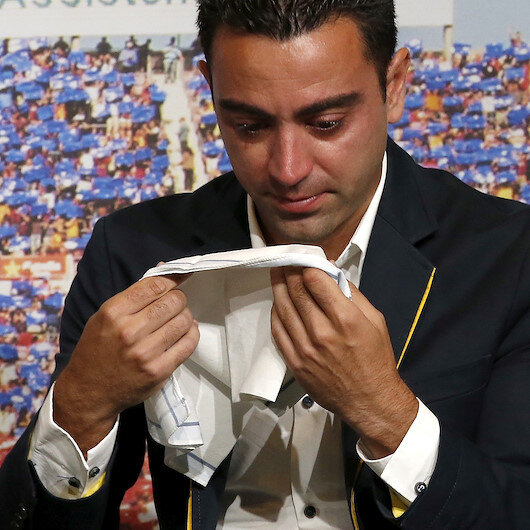 Former Barcelona star Xavi contracts coronavirus