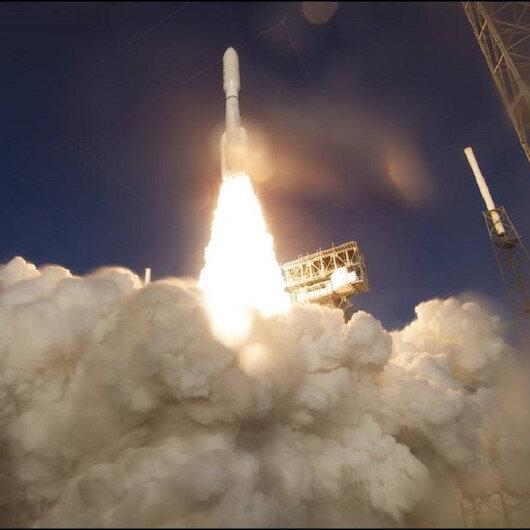 """ناسا تطلق المركبة """"روفر"""" للبحث عن آثار للحياة على المريخ"""