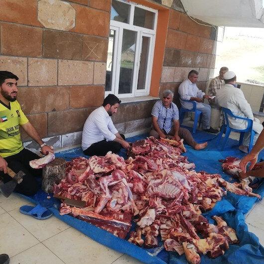Mardin'de köylülerden örnek davranış: Kestikleri kurban etlerini imece usulü toplayıp ihtiyaç sahiplerine dağıttı