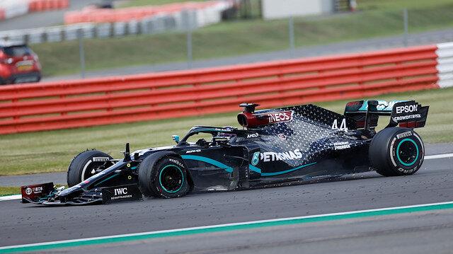 Formula 1'de inanılmaz son: Patlayan lastiklerin yarışnda kazanan Hamilton oldu