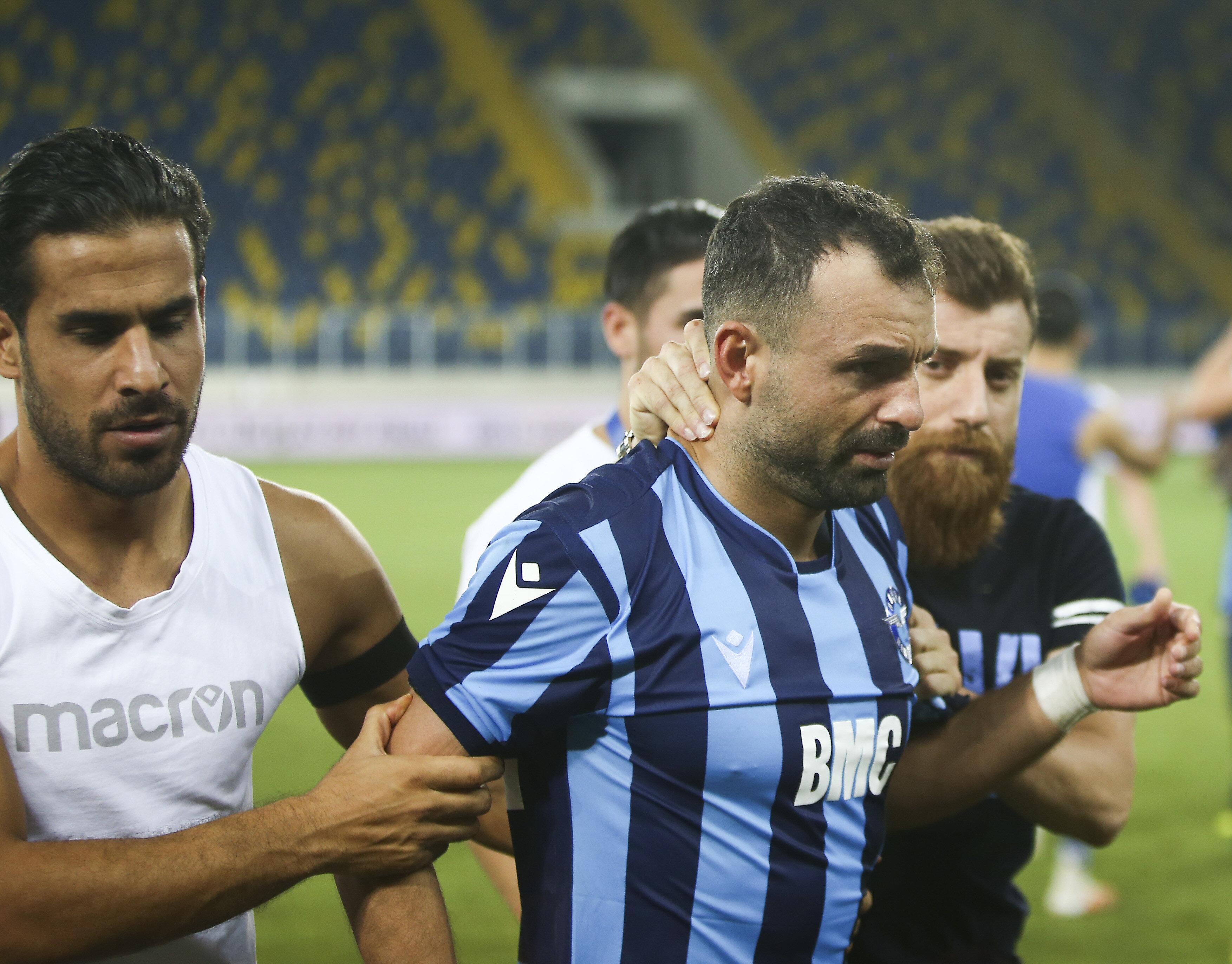 FF 1. Lig play-off finalinde Adana Demirspor ile Fatih Karagümrük, Eryaman Stadı'nda karşılaştı. Normal süresi ve uzatma bölümleri 1-1 tamamlanan maçta Fatih Karagümrük, Adana Demirspor'a penaltılarda 6-5 üstünlük sağlayarak Süper Lig'e yükseldi. Maç sonunda Adana Demirsporlu oyuncular üzüntü yaşadı.