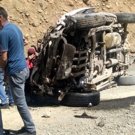 Hakkari'de bir araç uçuruma devrildi: 6 kişi hayatını kaybetti