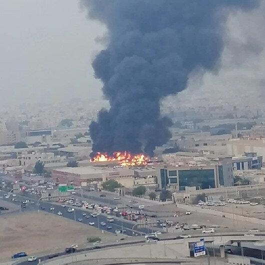 الإمارات.. حريق هائل في سوق بإمارة عجمان