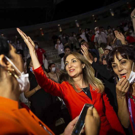 CHP Kadın Kolları Genel Başkanlığına Aylin Nazlıaka seçildi