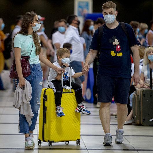 Russians flock to Turkish resort after flights resume