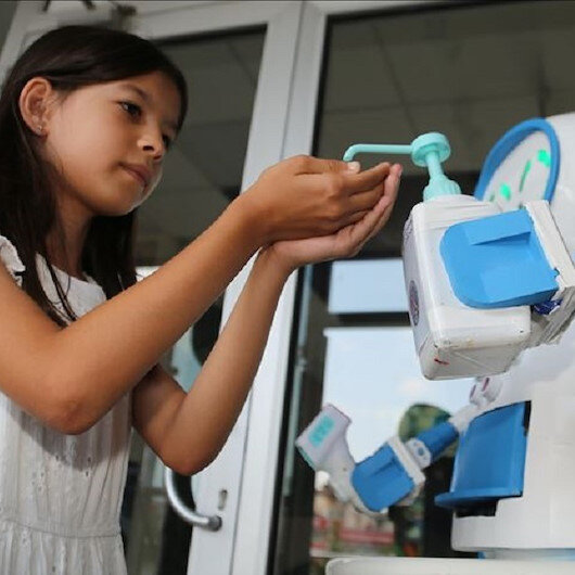 Turkish teachers develop robot to fight COVID-19