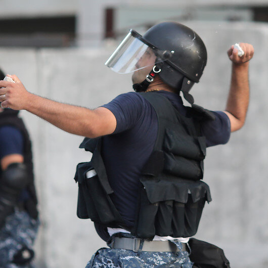 Security forces clash with protestors in Beirut