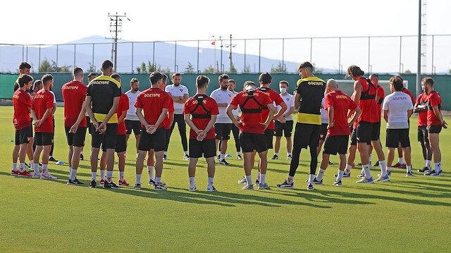 Süper Lig ekibinde koronavirüs şoku: Yeni transferin testi pozitif çıktı